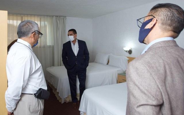 Cadena hotelera alojará en Michoacán a médicos que luchan contra el COVID-19 - Gobernador de Michoacán en visita a hotel que alojará a personal médico que lucha contra el coronavirus. Foto de @Sectur_Mich