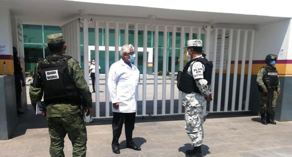 IMSS descarta robo hormiga de equipos de protección contra COVID-19 - Guardia Nacional al resguardo de hospital del IMSS en Michoacán. Foto de @GN_MEXICO_