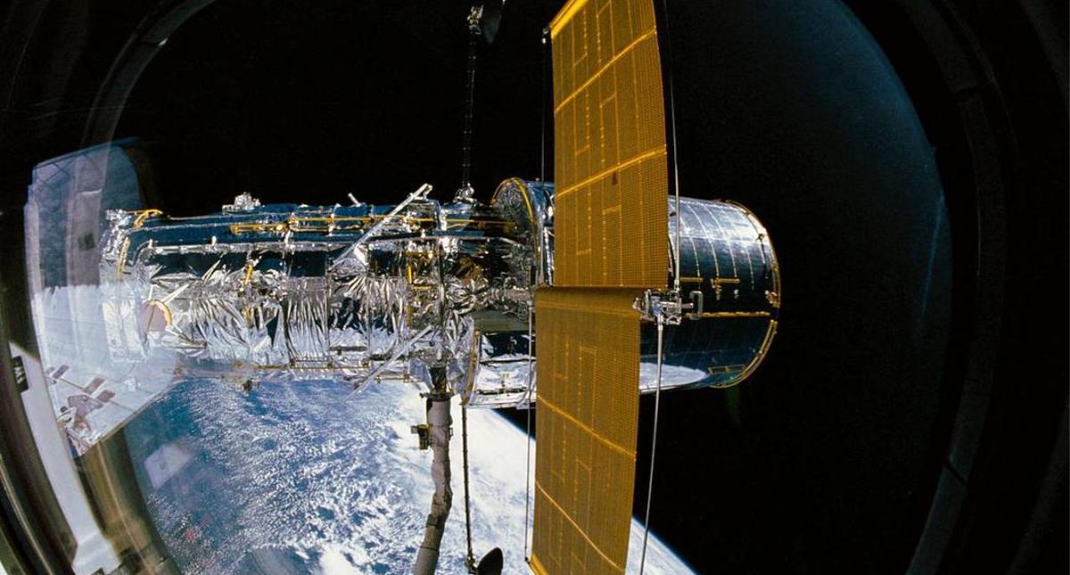 El telescopio espacial Hubble celebra este viernes su 30 aniversario con la publicación de la imagen de un nacimiento estelar