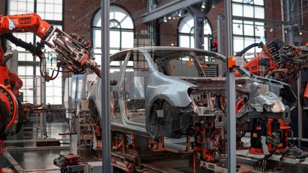 México solicita consultas a EE.UU. por reglas de origen del sector automotriz - Foto de Lenny Kuhne para Unsplash