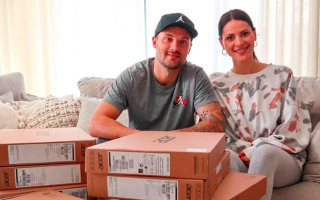 Jugador del Benfica dona laptops a niños por COVID-19 - Jugador del Benfica dona laptops