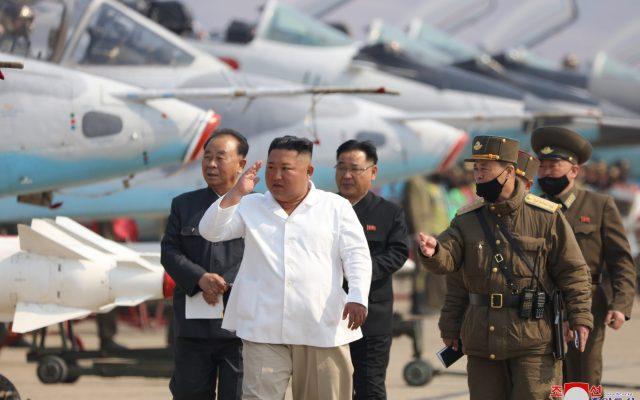 """Corea del Norte amenaza con emprender acciones contra Corea del Sur por """"traiciones"""" - El líder norcoreano Kim Jong-un"""
