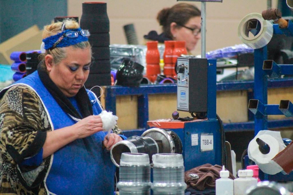 Eliminación de outsourcing afectaría a maquiladoras extranjeras en México, advierten empresas estadounidenses - La crisis del coronavirus infecta de incertidumbre a la maquila mexicana
