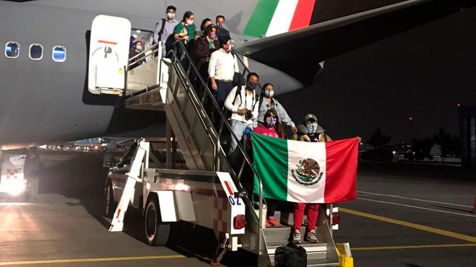 Arriban a México 152 connacionales varados en Perú - Mexicanos Perú coronavirus COVID-19.