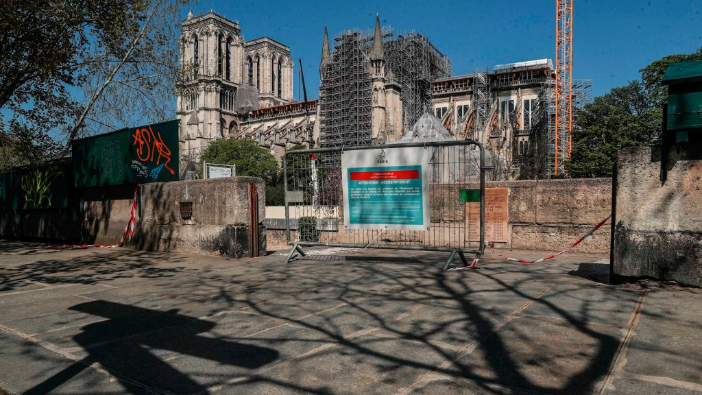 Reinician el lunes restauración en catedral de Notre-Dame - Notre dame coronavirus COVID-19