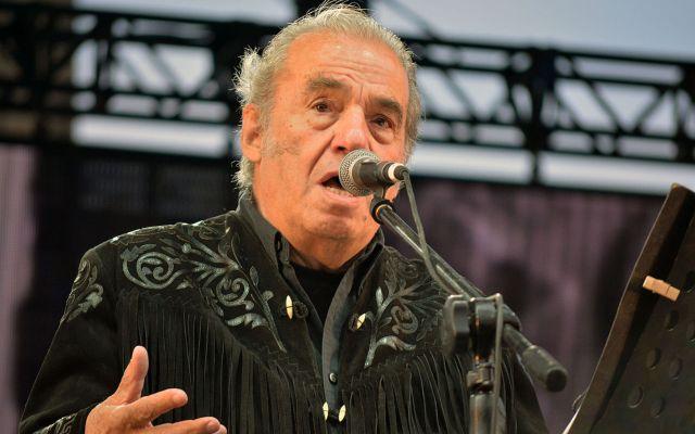 Murió por COVID-19 el cantante Óscar Chávez - Foto de Wikipedia