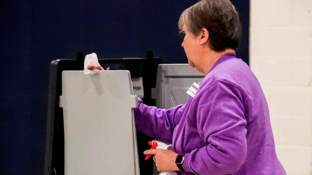 Comienza elección primaria en Wisconsin a pesar de la pandemia de COVID-19 - Foto de EFE