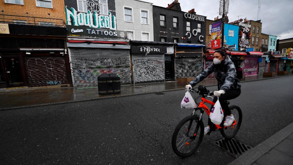 Reino Unido espera nuevas evidencias científicas para su plan de desescalada - Foto de EFE