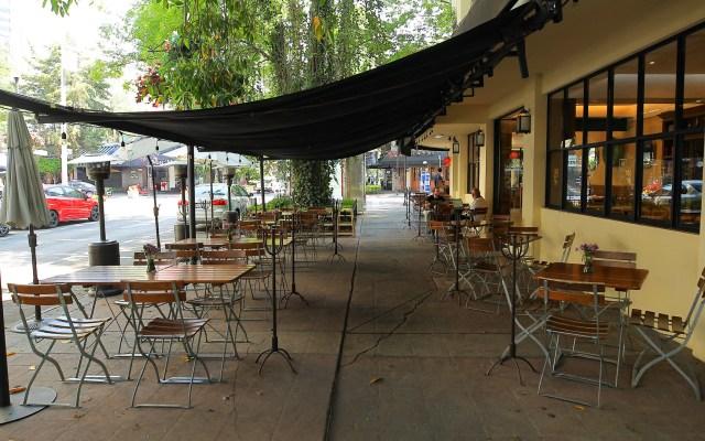 Cierran 60 negocios en León por COVID-19; empresas familiares no alcanzan apoyos - Restaurante vacío por emergencia sanitaria por COVID-19. Foto de Notimex