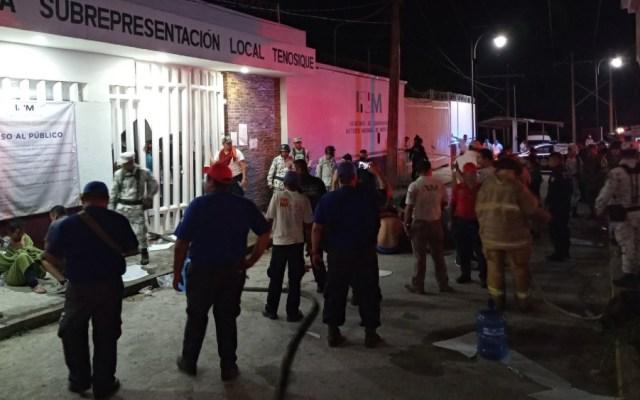 Dos muertos y siete heridos en motín en estación migratoria de Tabasco - Foto de @La72Tenosique