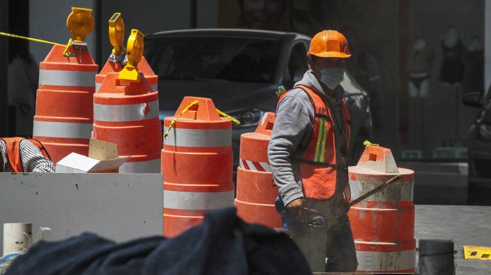 Desempleo aumentó en primer trimestre 2021; micronegocios perdieron 923 mil puestos de trabajo - Trabajadores de construcción