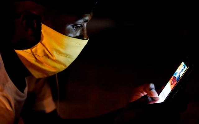 WhatsApp mantendrá medidas para evitar reenvío de información falsa de COVID-19 - Foto de EFE