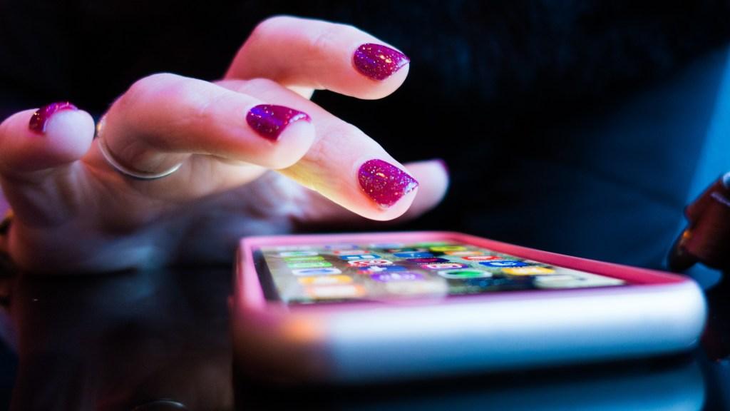 TikTok, Pinterest y Spotify sufren problemas simultáneamente - Aplicaciones teléfono inteligente dispositivo