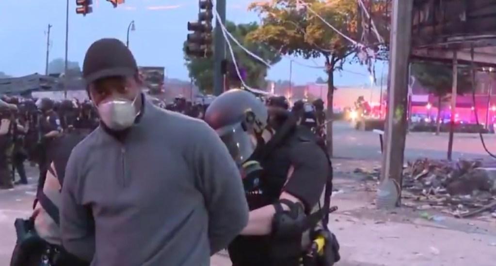 #Video Detienen a reportero de CNN durante transmisión de protestas en Minneapolis - Arrestan a reportero de CNN