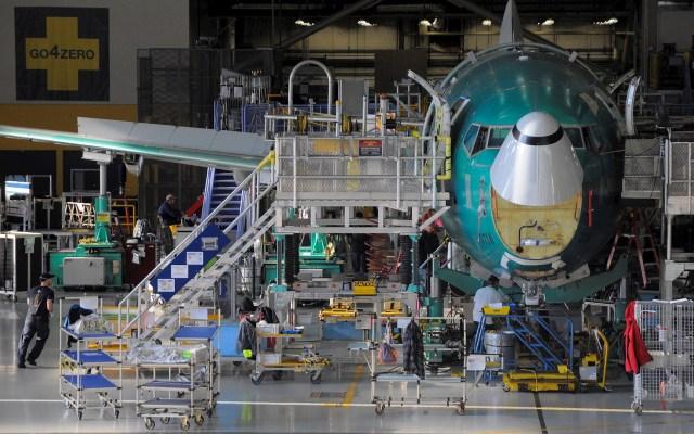 Boeing prescindirá de casi 13 mil empleados por la pandemia - Boeing empresa avión