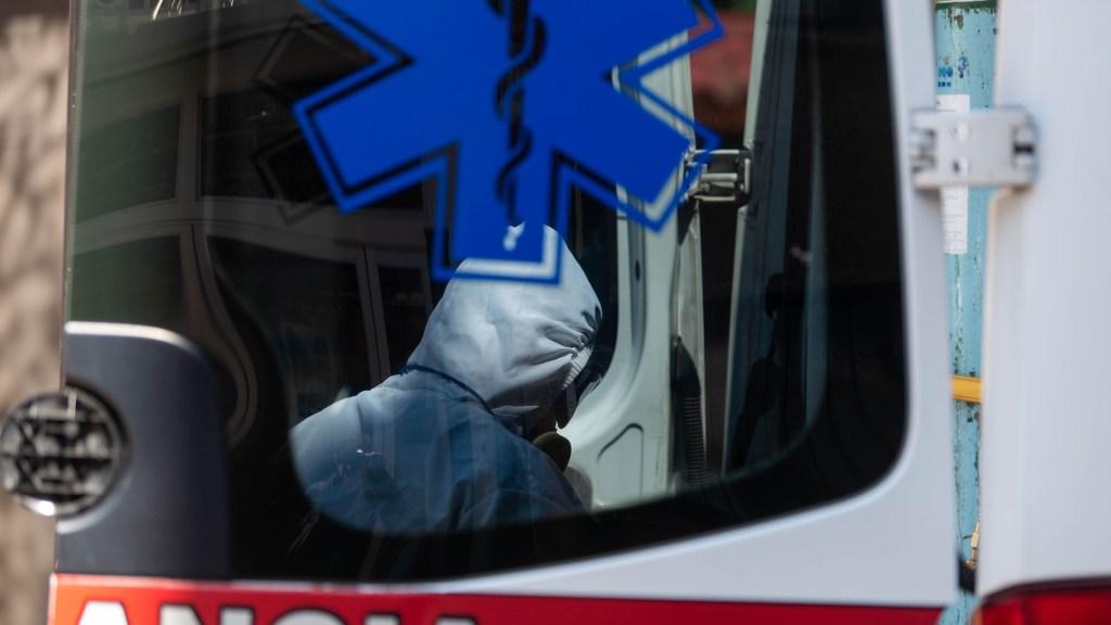 Ocupadas, seis de cada diez camas COVID-19 en la Ciudad de México - Labores de atención al COVID-19 en el Hospital Regional 1, Dr. Carlos Mac Gregor Sánchez Navarro. Foto de Foto de Notimex-Gerardo Luna.