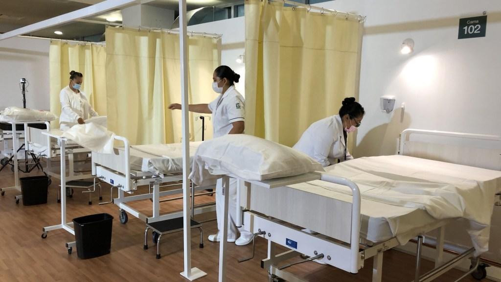 Mueren 81 por ciento de hospitalizados por COVID-19 sin llegar a terapia intensiva - Camas para pacientes con COVID-19 en el hospital de expansión del Autódromo Hermanos Rodríguez. Foto de Notimex