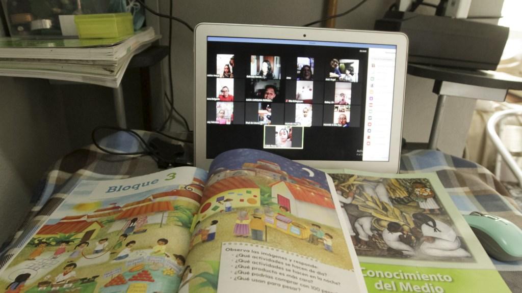 Ciclo escolar en Puebla terminará con modalidad a distancia - Clases virtuales México en línea escuela