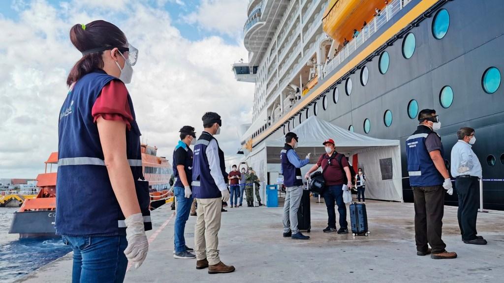 Desembarca en Cozumel crucero de Disney con 68 mexicanos a bordo - Crucero playa del carmen coronavirus COVID-19
