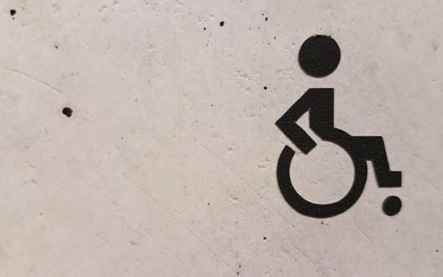 Conadis difunde medidas para ayudar a personas con discapacidad por COVID-19 - Foto de marianne bos para Unsplash