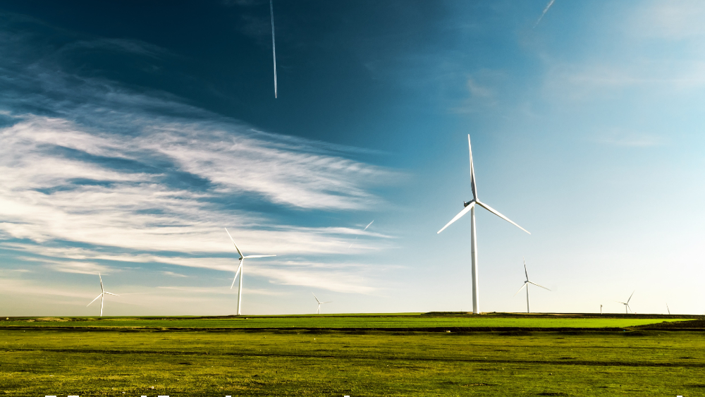 Suman 172 amparos contra nueva política eléctrica de México - Turbinas eólicas. Foto de Arteum.ro para Unsplash