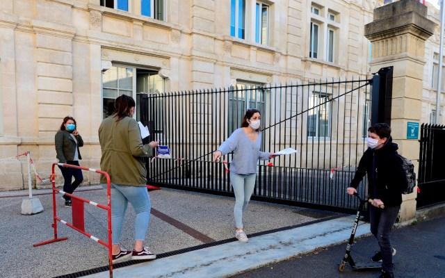 Disminuye número de enfermos graves de COVID-19 en Francia; hay 28 mil 132 muertos - Foto de EFE