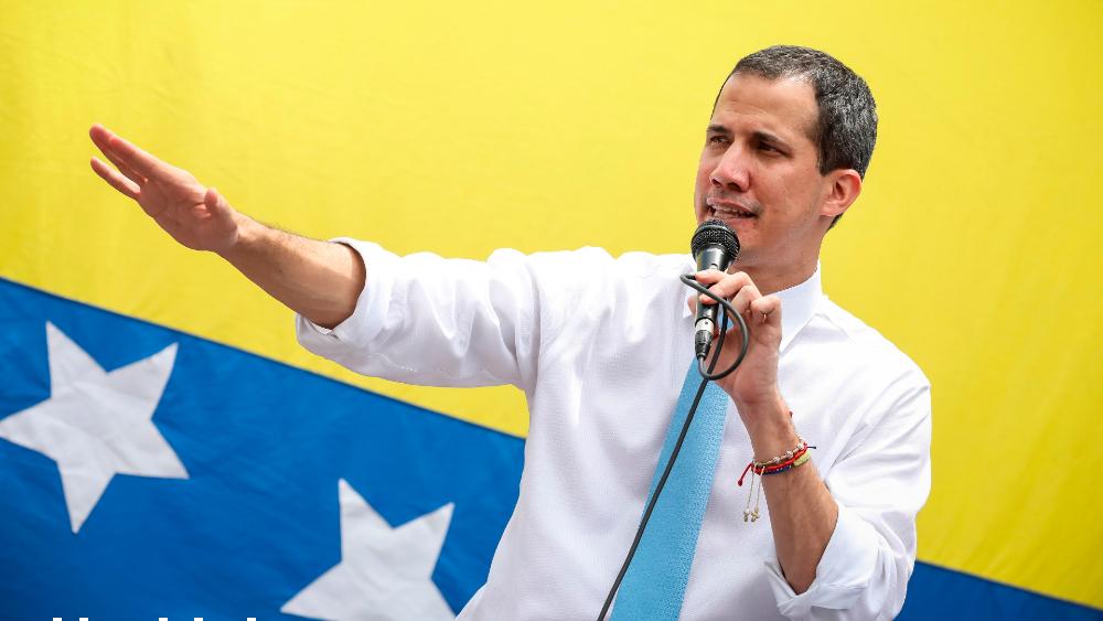 Guaidó pide acuerdo político sin Maduro para salvar a Venezuela - Foto de EFE