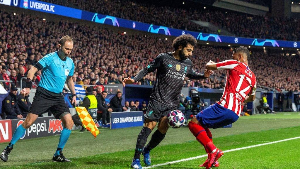 Estudio afirma que el Liverpool-Atlético provocó 41 muertes por COVID-19 - Imagen del Liverpool-Atletico. Foto de EFE.