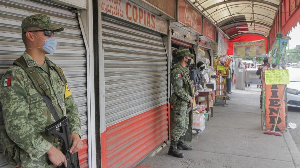 Preocupa a ONU-DH autorización de Fuerzas Armadas para seguridad pública - Miembros de la Sedena en resguardo de las inmediaciones de un hospital de la CDMX. Foto de Notimex