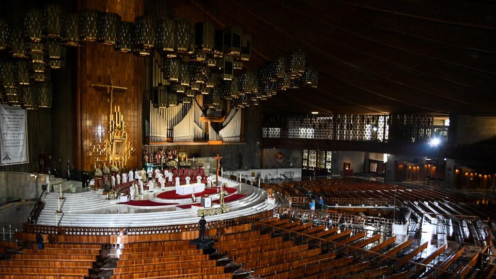 Misa Dominical oficiada por el Cardenal Carlos Aguiar Retes desde la Basílica de Guadalupe - Misa en la Basílica de Guadalupe