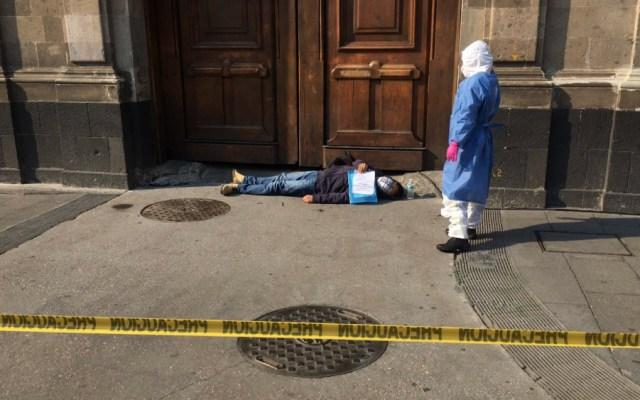 Presunto paciente con COVID-19 protesta en Palacio Nacional - Foto de @Notimex