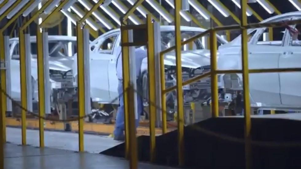 Industria automotriz de México debe reanudar operaciones para ajustarse al T-MEC - Línea de producción de Ford. Captura de pantalla