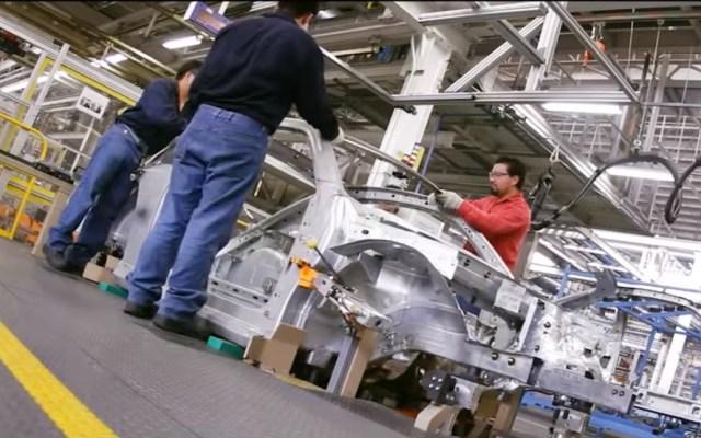 Trabajadores de Volkswagen regresarán el martes a planta de Puebla para preparar reinicio de producción - Planta de Volkswagen en Puebla
