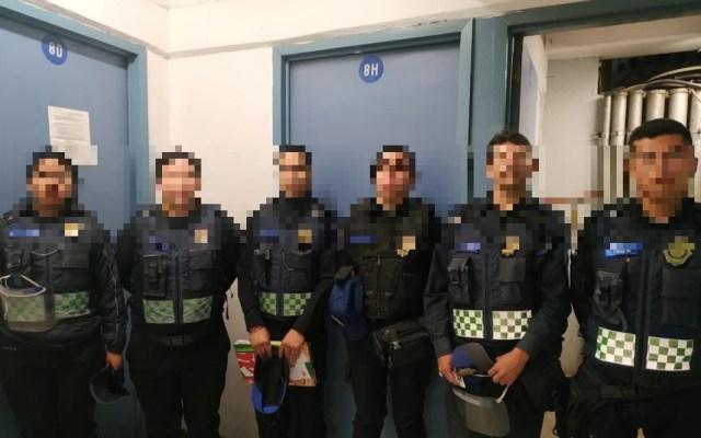 Detienen a seis policías que bebían en Metro San Lázaro - Foto Especial