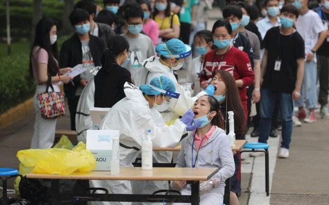 Wuhan realiza más de 6.5 millones de pruebas de ácido nucleico en diez días - Foto de EFE/EPA/LI KE CHINA OUT.