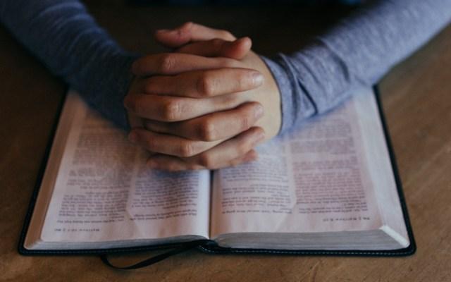 Iglesia católica convoca a rezo masivo ante el COVID-19 - Rezo rezar católica iglesia religión