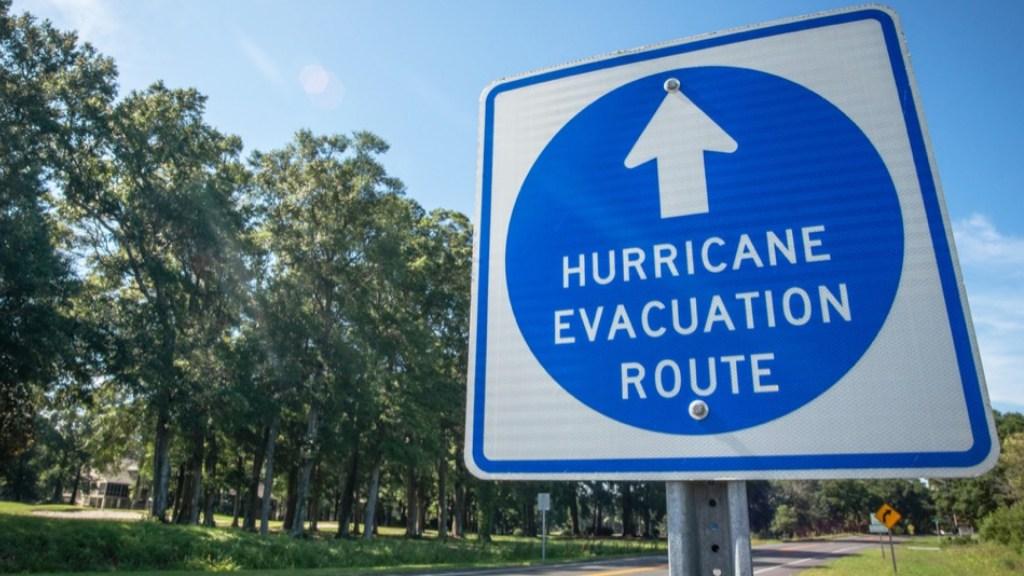 Prevén temporada de huracanes 'extremadamente activa' en el Atlántico - Ruta de evacuación por huracanes. Foto de @NOAA