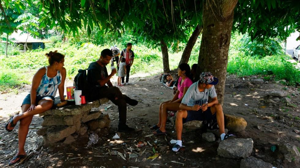 Migrantes a la deriva y expuestos a la pandemia en Chiapas - Migrantes en Tapachula, Chiapas. Foto de EFE / Archivo