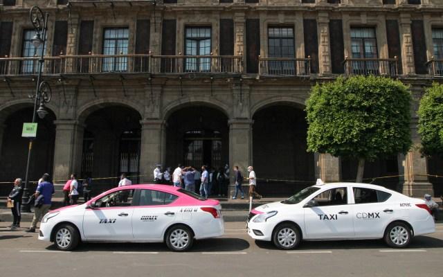 Taxistas capitalinos protestan para ser incluidos en Seguro de Desempleo - Foto de Notimex