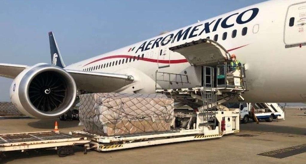 En camino a México decimoquinto vuelo de Aeroméxico desde Shanghái con insumos médicos - El canciller Ebrard compartió la foto de la carga del vuelo 15 del puente humanitario Shanghái-México. Foto de @m_ebrard