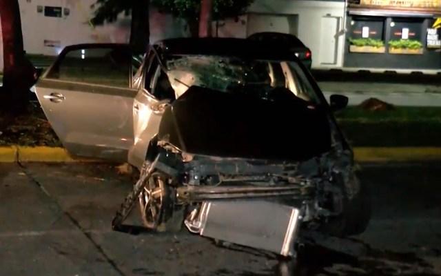 Automovilista choca en Zapopan tras pelear con su novia - Auto tras choque en Zapopan, Jalisco. Foto de Noticieros Televisa