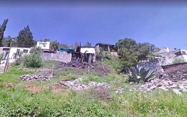 Rescatan a hombre tras caer 15 metros de un cerro en Xochimilco - Cae hombre de cerro en Xochimilco