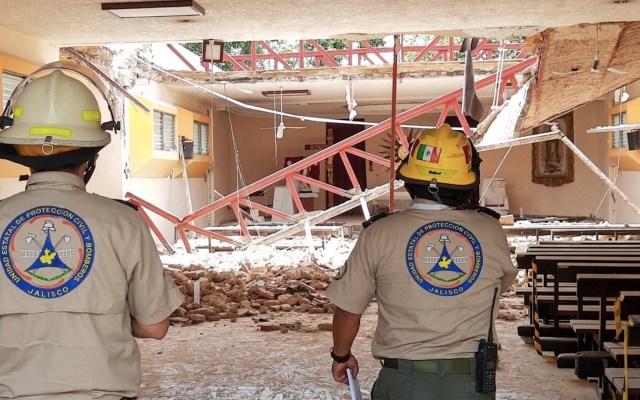 Colapsa techo de parroquia en Zapopan; hay nueve lesionados - Foto de Protección Civil Jalisco