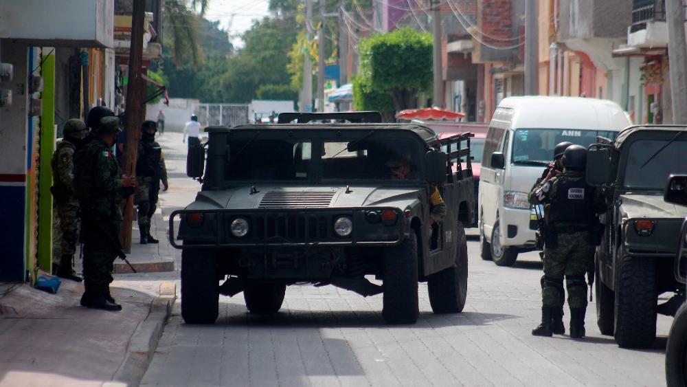 """Pese a homicidios e inseguridad, AMLO ve en 15 años convertido a México en una """"gran potencia, con paz y tranquilidad"""" - Foto de EFE"""