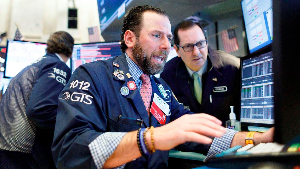 Dow Jones cae casi 7% en su peor día desde marzo por temor a rebrote de COVID-19 - Foto de EFE