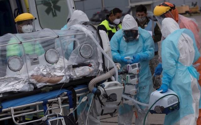 Chile supera a Italia en contagios de COVID-19 - COVID-19 coronavirus Chile médicos ambulancia