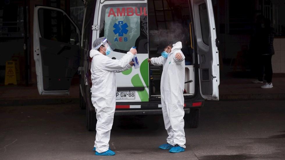 México rebasa los 70 mil muertos por COVID-19 - COVID-19 coronavirus Chile Santiago médicos ambulancia