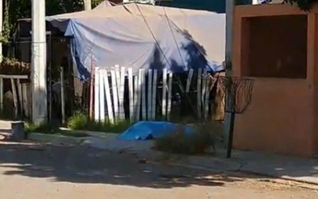 Asesinan en Sonora a periodista afuera de su casa - Cuerpo de José Castillo, periodista asesinado en Ciudad Obregón, Sonora. Foto de @AlertaAMPDA