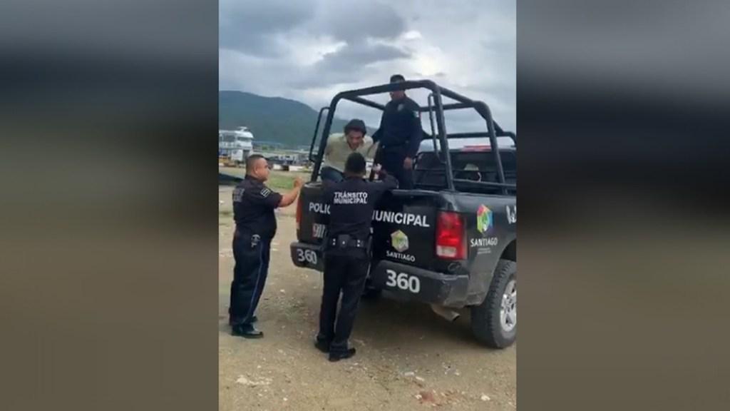 #Video Arrestan al 'Pato' Zambrano en Nuevo León - Detención del 'Pato' Zambrano en Santiago, Nuevo León. Captura de pantalla