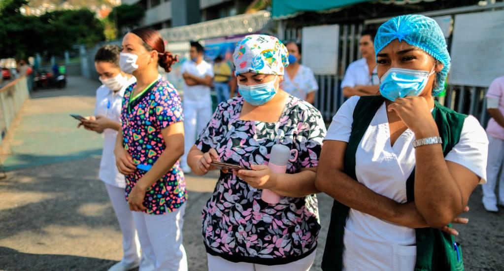IMSS invertirá en 2021 más de 72 mil mdp para proteger salud de trabajadores - Enfermeras del IMSS